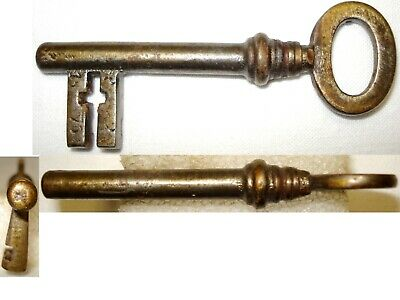 Antique Key, Key, Schlüssel, Full in Forged Iron Panneton Crucifix