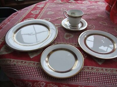 Royal Doulton Harlow - 5 pc Place Setting  -New UPC stickers still attached