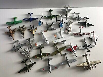 LOT OF 10 Vintage Diecast Airplanes Military Planes Bomber Matchbox