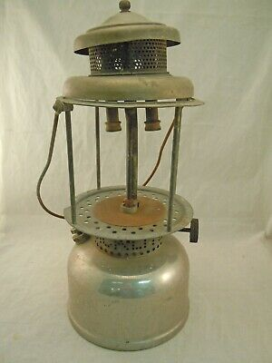 E87I Old Coleman Lantern For Repair Or Parts