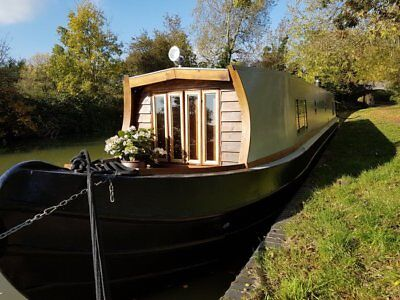 Boutique canal narrow boat holiday short break for two. 21-24 Feb. Foxton Locks
