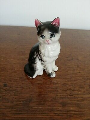Vintage small ceramic cat collectable ornament figurine