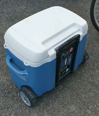 IGLOO Maxcold Ice Cube 70 Roller Coolbox Next working day to UK 00034071