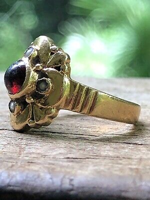 Antique Victorian Gold Ring 10k with garnet and seed pearls, 10 carat