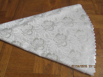 "Tablecoth Round Shiny Flowers Scalloped Edges-33"" Center To Edge-Cream On Cream"