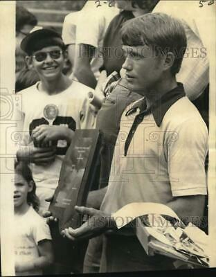 1972 Press Photo Tobacco spitting winner Don Snyder in Raleigh, Mississippi