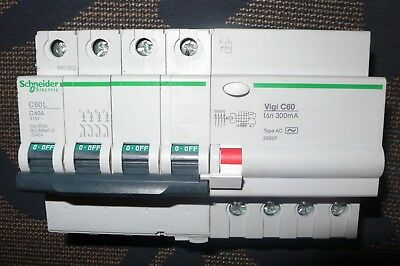 DISJONCTEUR DIFFERENTIEL 4P, 40A 300mA COURBE C. SCHNEIDER ELECTRIC MERLIN GERIN