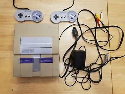 Super Nintendo SNES Console Lot 2 Controllers Power Cord AV