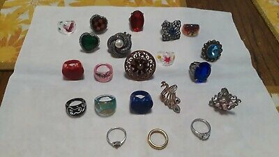 Jewelry Custome Rings 21 Pcs Some Are Handpainted Sizes 6-8  Store Clearance