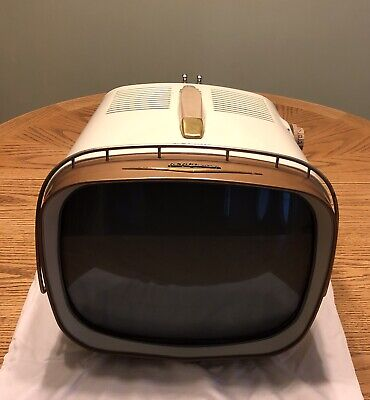 Retro RCA Victor Deluxe Portable 1950's Television Excellent Condition