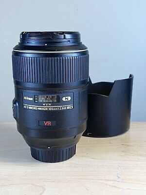 Nikon AF-S VR Micro-NIKKOR 105mm f/2.8G IF-ED Lens With Hood And Both Lens Caps