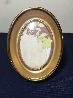 """Vintage Oval Domed Convex Glass 3D Tabletop Picture Frame Gold Holds 4"""" x 3.5"""""""
