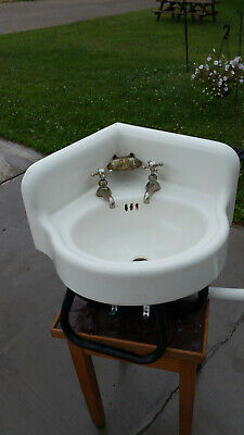 ANTIQUE CAST IRON & PORCELAIN CORNER SINK, 19 X 19 X 10 w/ 22 inch radius
