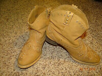 GB Girls Brown Girls Size 3M Youth Ankle Boots With Gold Metal Studs, Slip On