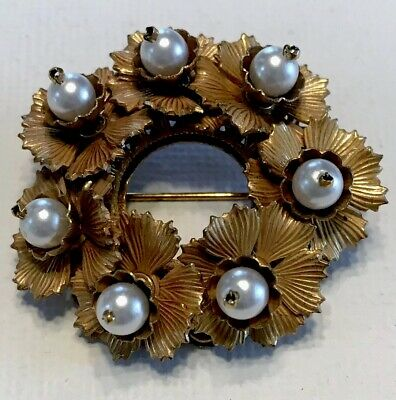 Vintage Signed Original By Robert Gold Leafy Wreath  With Pearls Brooch Pin