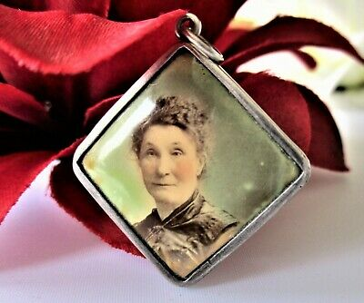 ANTIQUE VICTORIAN 800 STERLING SILVER HAND PAINTED PORTRAIT PENDANT 3.3 grams
