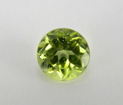 .825 Carats Natural Green Peridot Faceted Gemstone Round PRT50