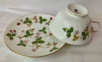 Wedgwood Wild Strawberry Fine Bone China Cup, Saucer,R4406, Great Cond