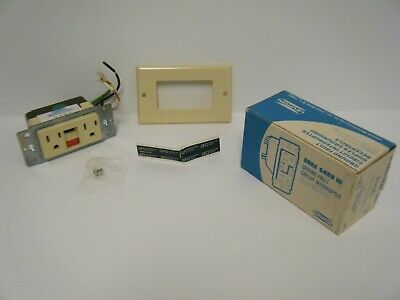 Leviton Ground Fault Circuit Interrupter Duplex Grounding Receptacle 6199-I NIB
