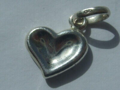 New genuine Links of London red heart charm fully hallmarked RRP £50