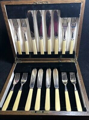 Vintage Silver Plated Fish Cutlery -Set Of 16 Pieces By Thomas Turner & Co