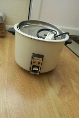 vintage 1980s or early 1990s Sanyo rice cooker - working