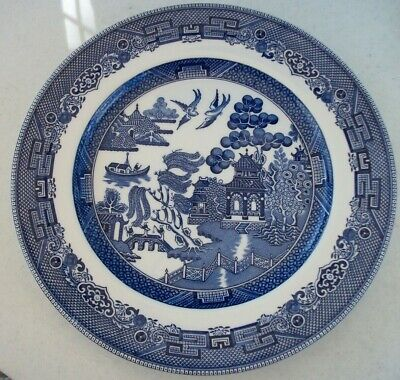 """Johnson Brothers Blue Willow 10 1/4"""" Dinner Plate Excellent Condition"""