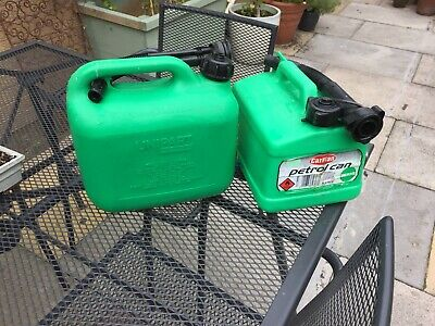 Streetwize SWFC1 Fuel Can 5L Green Plastic Unleaded Petrol Carry Handle Funnel