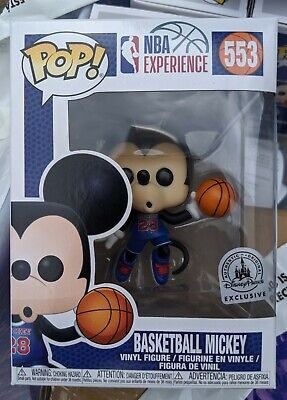 IN HAND Disney Parks NBA Basketball Mickey Mouse Funko Pop #553 in POP PROTECTOR