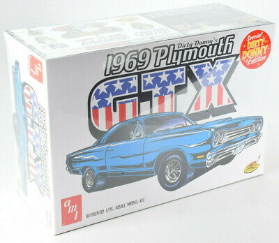 "AMT ""Dirty Donny"" 1969 Plymouth GTX 1:25 Scale Plastic Model Car Kit 1065"
