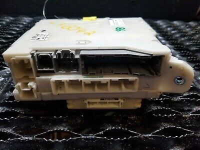 06 2007 08 09 Lexus Is250 Is350 Right Fuse Relay Junction Box Oem #86
