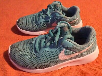 Kids girls Nike Roche trainers shoes size 13