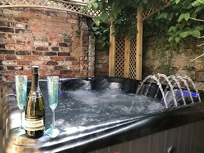 Jacuzzi Hottub Midweek Break Holiday Accommodation Cottage