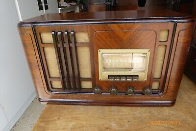 Antique 1941 Silvertone Radio Model R-1261 - Completely restored