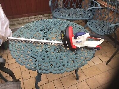 Spear & Jackson Cordless Hedge Trimmer - 18V With Battery