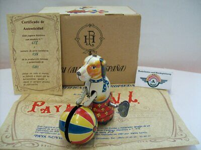Dog with Ball, clockwork drive, Paya (Made in Spain)