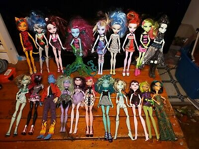 Lot of 20 Mattel Monster High Doll with Clothing