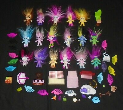 Job Lot Collection of Medium Sized Zelfs with Accessories Bundle Combs etc