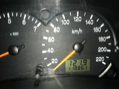 Ford Focus 2004 LOW KM, POWER STEERING, 5 SPEED, WANTED QUICK SALE