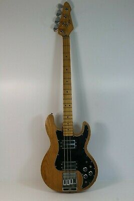 Peavy T-40 Bass Guitar