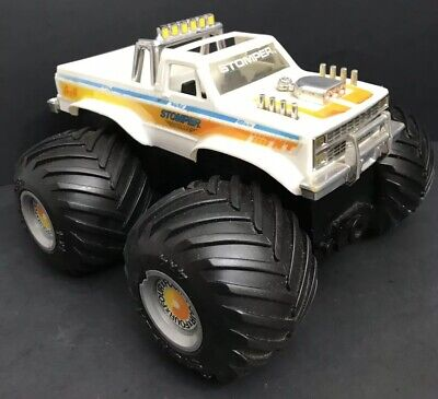 Vintage 1980's Schaper STOMPERS THE BULLY Xtra MONSTER 4 X 4 Tested WORKS GREAT!