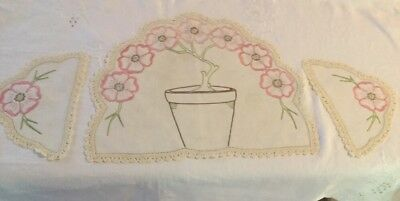 Vintage Linen Hand Embroidered Doiley/Duchess Set With Crocheted Edges.