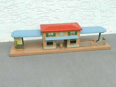 Blech-Bahnhof mit Trinkhalle, Made in Germany, Spur 0