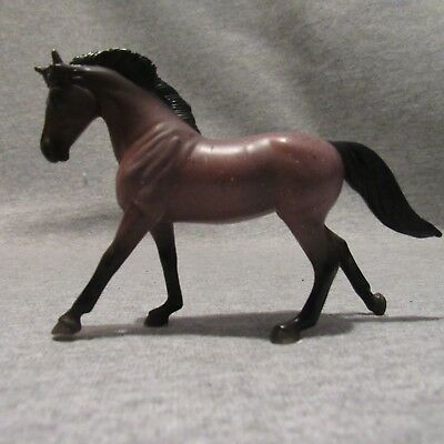BREYER STABLEMATE WARMBLOOD RED BAY WARMBLUTER #6900 TROTTING 1:32 SCALE NEW