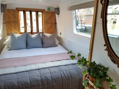 Boutique canal narrow boat holiday short break for two. 13-16 Dec