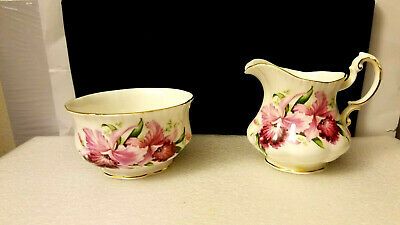 Paragon Bone China By Appointment to her Majesty Creamer & Sugar Bowl England