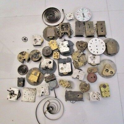 Big Lot Of Vintage Clock Movement - Best For Parts Only (Item No. 2573)