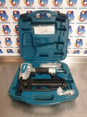 Makita AF600 16g Gauge Brad Air Pin Nailer 15-64mm (V)