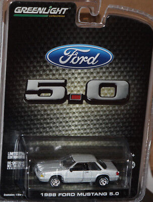 Greenlight 1:64 2018 LBE Exclusive R3 1988 FORD MUSTANG LX 5.0 Notchback Silver