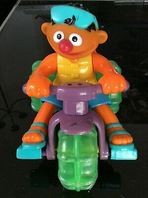 Sesame Street 2001 Mattel Ernie Toy Ducky Pull-String Tricycle Bath/Surface Toy